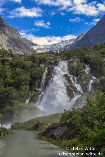Briksdalsbreen Wasserfall